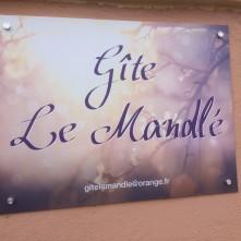 plaque informative du gîte le Mandlé